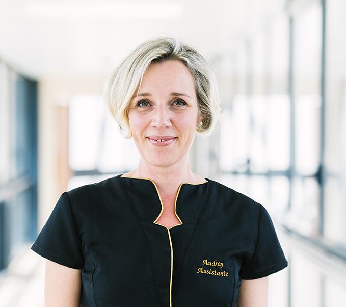 Audrey assistante du cabinet du Docteur Vincent Dellière