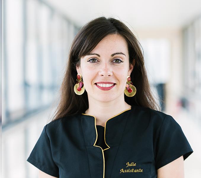 Julie assistante du cabinet du Docteur Vincent Dellière
